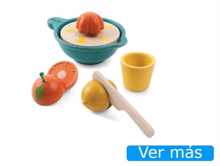 Juguetes de cocina: exprimidor y frutas de madera