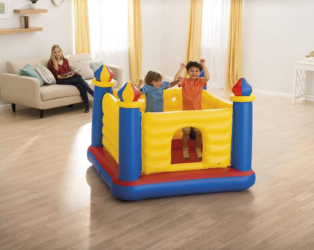 Mini castillo hinchable Intex